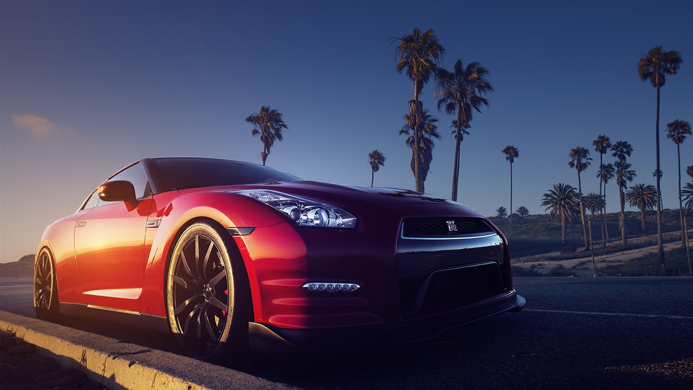 Nissan-GTR-R35-red-car-front-view_1366x768